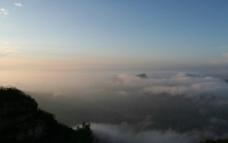 白石山的云图片