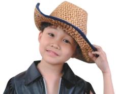 草帽男孩图片