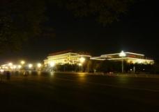 夜幕中的人民大会堂图片