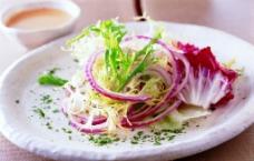 洋蔥沙拉图片