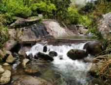 溪流山泉图片