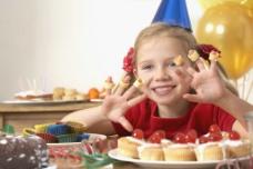 吃营养早点的孩子图片