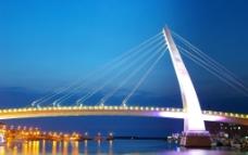 台湾淡水情人桥图片