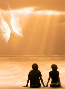 海边夕阳情侣海报图片