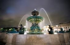 喷泉夜景图片