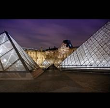 卢浮宫夜景图片