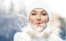 吹雪花优雅美女图片