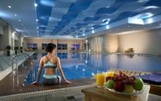 五星级酒店高级游泳池图片